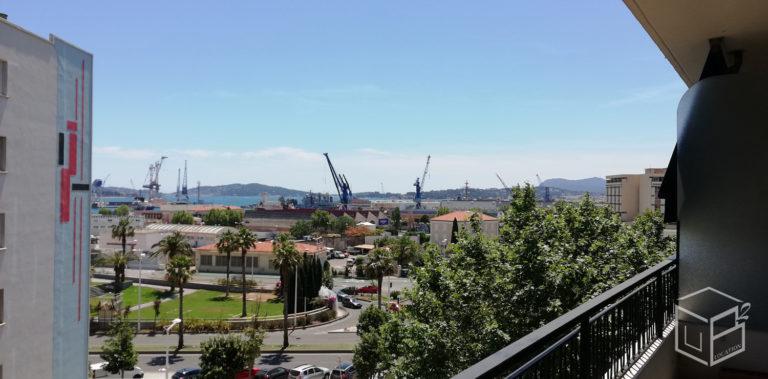 Vous cherchez à louer un grand appartement T5 sur Toulon avec 4 chambres ? 480-520 € par chambre All inclusive